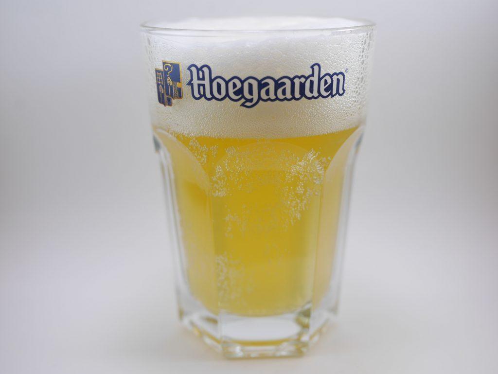 ヒューガルデンを注いだグラス